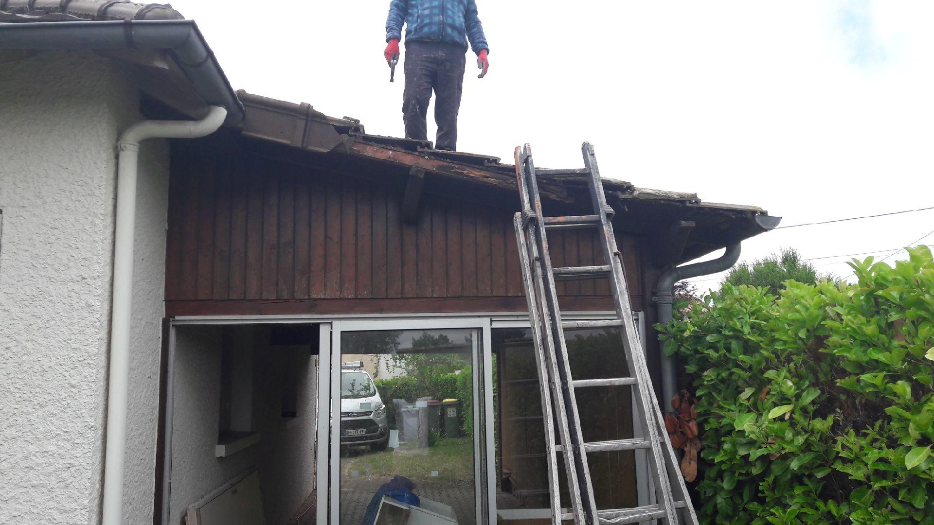 professionnel-de-la-toiture-Corne-49630